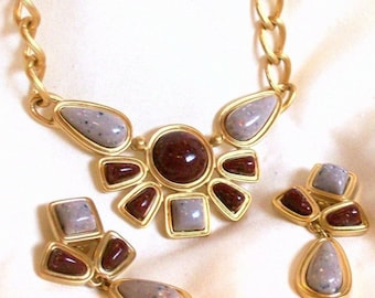 Vintage Avon Desert Sands Gold Tone Choker Necklace and Earrings Set Signed Link Chain 1992