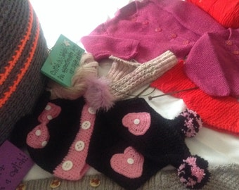 Minnie Mouse hat and scarf pattern
