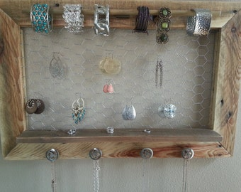 Natural pallet jewelry holder / jewelry display / rustic jewelry organizer