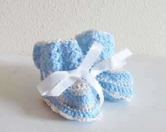 Vintage Newborn Shoes / Baby Boy Blue & White Infant baby Booties / Crochet Knit Baby Boots