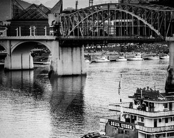 Black and White Delta Queen, TN Aquarium, Bridge, TN River Photograph