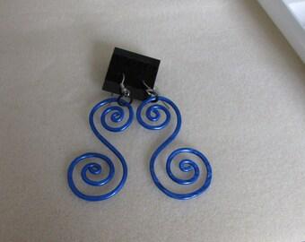 """Aluminium hammered """"S"""" earrings"""