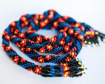 Little flowers. Bead Crochet lariat. Transformer. Black and blue. Spiral.