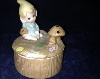 HOMCO 5404 Elf w/Mushroom Trinket Box