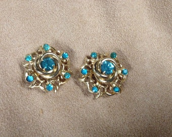 Vintage Goldtone Pair of Blue Stone Pin/Brooches