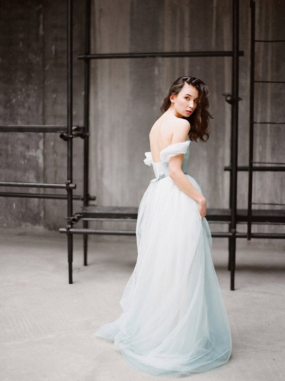 Tulle wedding dress with off shoulder sleeves tulle wedding dress with off shoulder sleeves arsenia classic bridal gown blue grey wedding dress low back wedding dress milamira junglespirit
