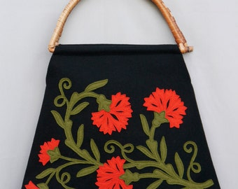 Bag Molho de Cravos - rattan handles - black/red/dry green