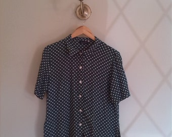 Vintage green polka dot short sleeved shirt