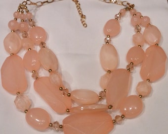 chunky peachy pink necklace