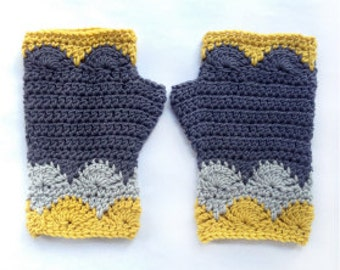 Libertas Fingerless Mitts PDF Pattern Crochet Scallops DK tricot gloves