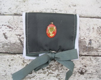 VINTAGE LiNEN KEEPSAKE POUCH with Dove