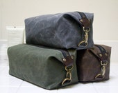 Personalized Dopp Kit, Men's Toiletry Bag, Gift for Men, Travel Bag For Men with Inside Pocket-Water Resistant Lining-Waxed Canvas-Handmade