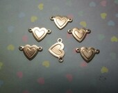 SALE Tiny Heart Links Side Connectors Brass Jewelry Charms x 6--1.00