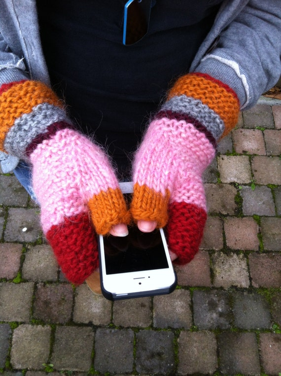 Mittens Knitting Pattern In The Round : Knitting PATTERN Fingerless Mittens - Hipster Mittens - Mittens - Mittens wit...