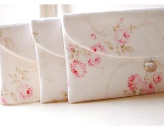 Shabby Chic clutch, Bridesmaid Gift, Bridesmaid Clutch, Set of 9 Wedding Favor, Shabby Chic gift, for her, cosmetic bag, pink roses, bridal