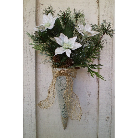 Christmas Decoration Victorian style floral cone dorr hanger Yule Winter Holiday home decor
