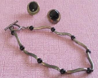 Vintage Sterling Bracelet, Wavy Jewelry, Enamel Jewelry, Round Earrings, Black Earrings, Modernist Jewelry