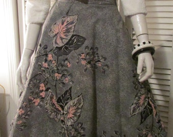 """1950's Novelty Skirt with Sequin and Beads Floral Painted Print Metal Zipper Waist 24"""""""