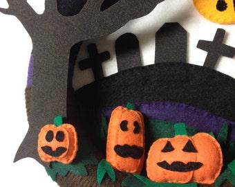 Wreath, Halloween Wreath, Door Hanger, Arachnophobia, Made to Order, Spider, Pumpkins, Tombstones