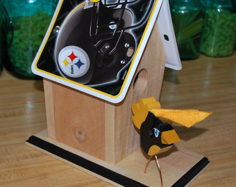 NFL License Plate Birdhouse - Pittsburgh Steelers