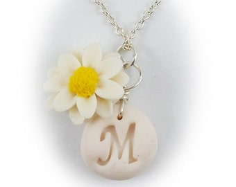 Personalized Daisy Initial Necklace - Daisy Jewelry
