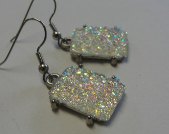 Sparkling White Rectangle Pierced Earrings
