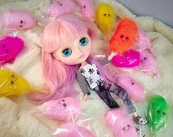 One Cotton Candy for Blythe, Pullip, Hujoo and other similar sized dolls, pink, green, yellow, orange or hot pink