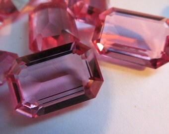 Stunning High Quality Large Pink Faceted Glass Stone (1)