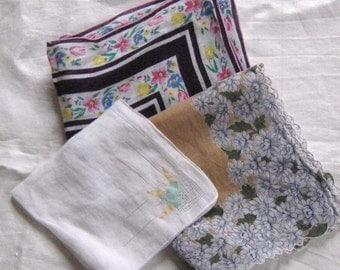 Vintage Hankies . Lot of 3 vintage hankies . 3 hankies