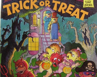 The Berenstain Bears Trick or Treat by Stan and Jan Berenstain, vintage children's book