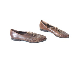 brown WOVEN leather oxfords 80s vintage pointy toe flats 1980s tie shoes size 8