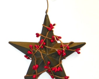 Black 5 Inch Metal Star with Red Pip Berries