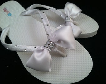 Helen Bridal Flip Flops, Bow Custom Flip Flops, Bow Dancing Shoe, Bling Bridal Sandals, Bling Wedding Flip Flops, Beach Wedding Bridal Shoes