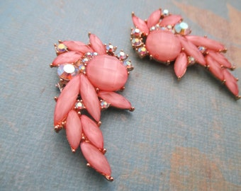Pink and aurora boralis rhinestone cluster shoe clips