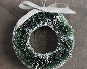 4 Inch Bottle Brush Holiday Wreath with Vintage Silver Bow  -  Evergreen Wreath for Decorating - Retro Christmas Bottle Brush Wreath