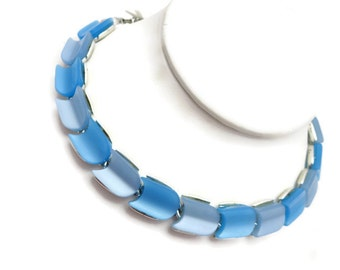 Blue Thermoset Necklace - Vintage Two Tone Costume Jewelry