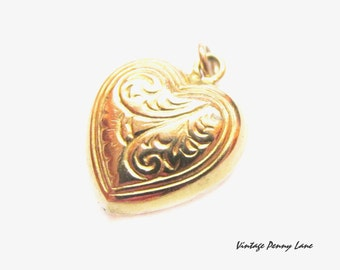 Antique / Vintage Yellow Gold Heart Charm / Pendant