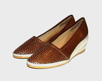 1970s shoes / vintage 70s wedges / 8 / Brown Woven Leather Espadrille Wedges
