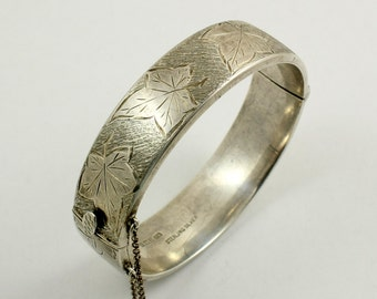 Vintage Sterling Silver Hinged Bangle Bracelet Engraved Bangle Leaf Bracelet Textured Silver English Silver Made in England 1965 Birmingham