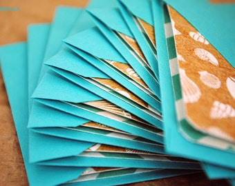 Blank Mini Card Set of 10, Mini Seashell Design with Contrasting Chevron Pattern on the Inside, Bright Aqua Envelopes, mad4plaid