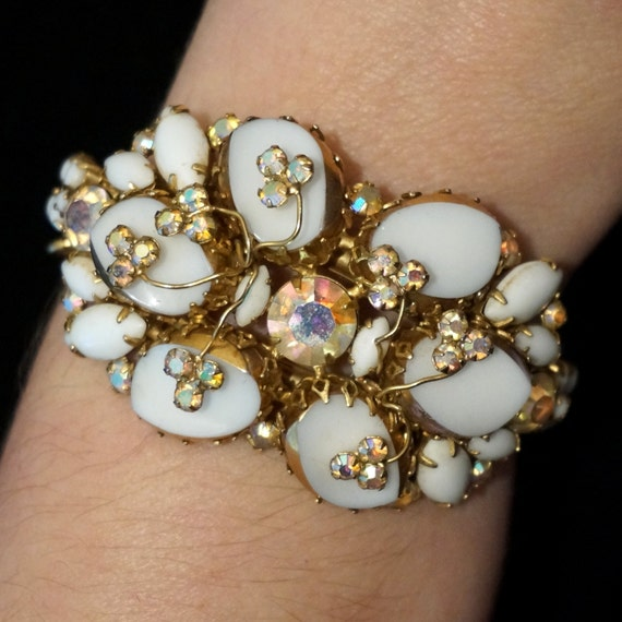 Vintage Alice Caviness Rhinestone Gilt Milk Glass Parure Bracelet Pin Earrings White