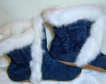 soft soled suede baby boots, baby booties, handmade baby boots, handmade winter booties, made in Canada