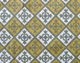 1950s Vintage Cotton Yardage - Geometric Print in Gold Gray and White - Fine Cotton Yardage