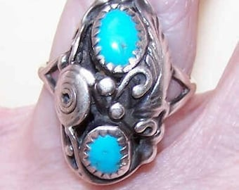 Native American STERLING SILVER & Turquoise Ring - Designer Signed