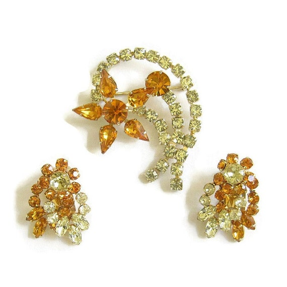 Vintage Golden Topaz and Citrine Rhinestones Layered Flower Brooch or Pin and clip Earrings Demi Parure Set
