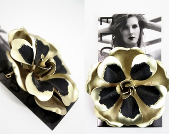 Retro Gold and Black Metal Flower Brooch / Pin / Broach