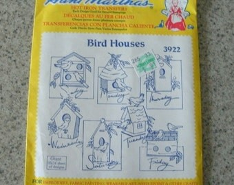 Aunt Martha's Transfers - Pattern number 3922 - Birdhouses