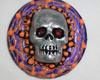 Day of the Dead pinback, Skull, Noir, Goth, Halloween, skull geekery