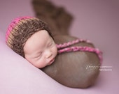 Strawberry and chocolate baby bonnet - newborn photo prop - other colours - baby girl boy round bonnet - hand knit - pink brown