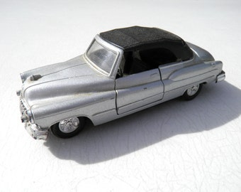1950 Buick Cabriolet Silver Metal-Flake Diecast Metal Car - 1:43 Scale - Display Toy Car - Collectible